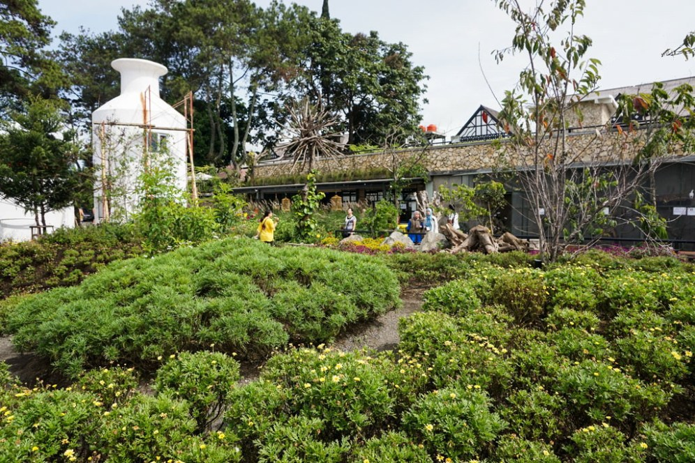Indonesia-Bandung-Farmhouse-Susu-Lembang-The-park